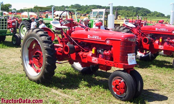Farmall H right-side view