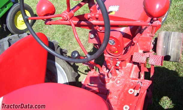 Farmall H  transmission photo