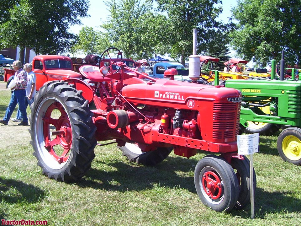 Farmall H on rubber tires, right side.