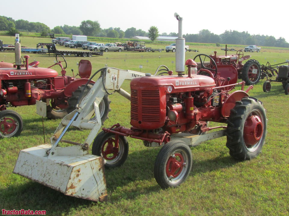 Farmall Tractor With Loader : Tractordata farmall super a tractor photos information