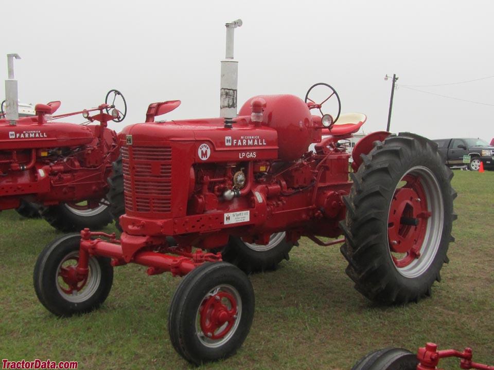 Farmall M Specifications : Tractordata farmall super m tractor photos information