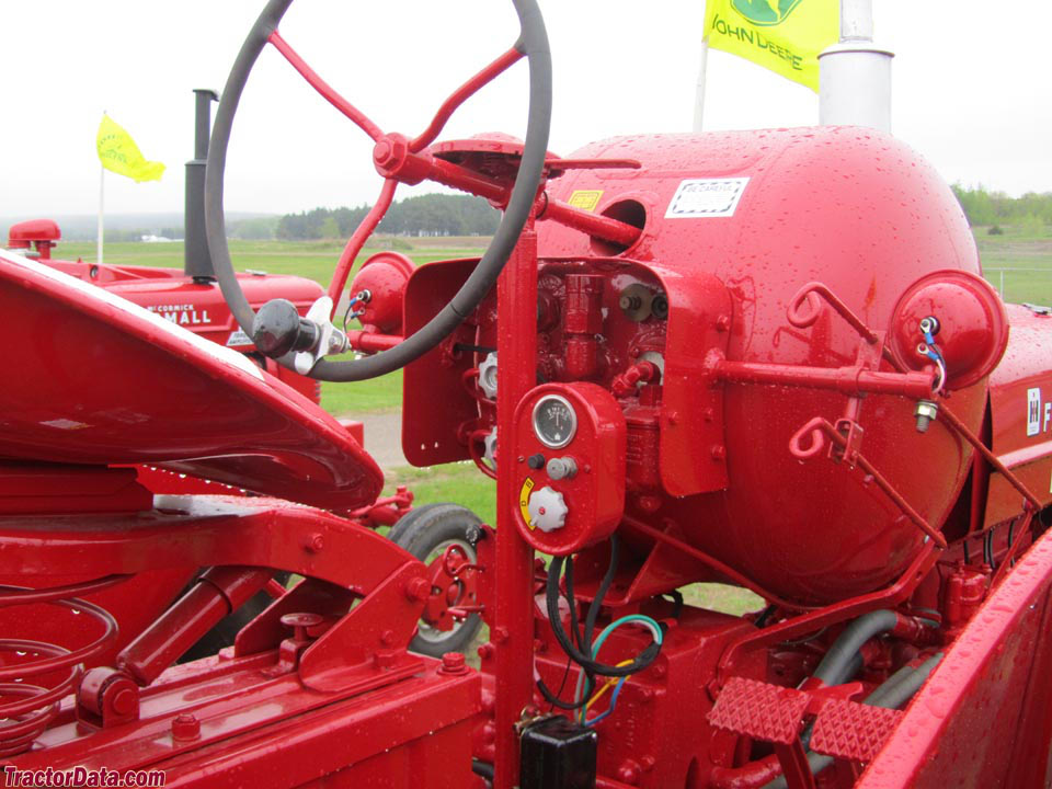 Farmall Super M LP-gas controls.