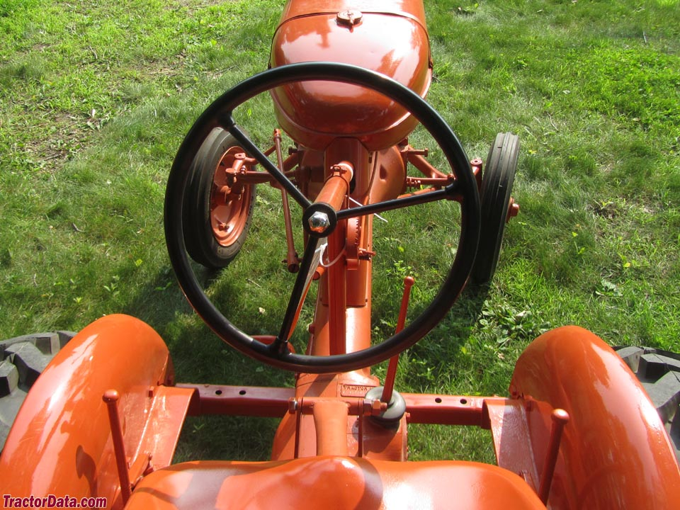 Allis-Chalmers B operator station and controls.