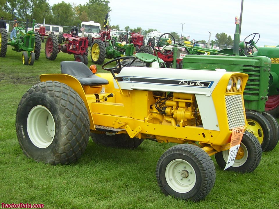 International Harvester Cub 154 Lo-Boy