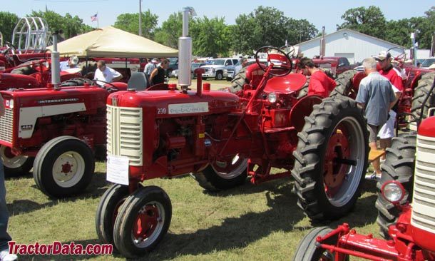 Farmall 230, left-front view