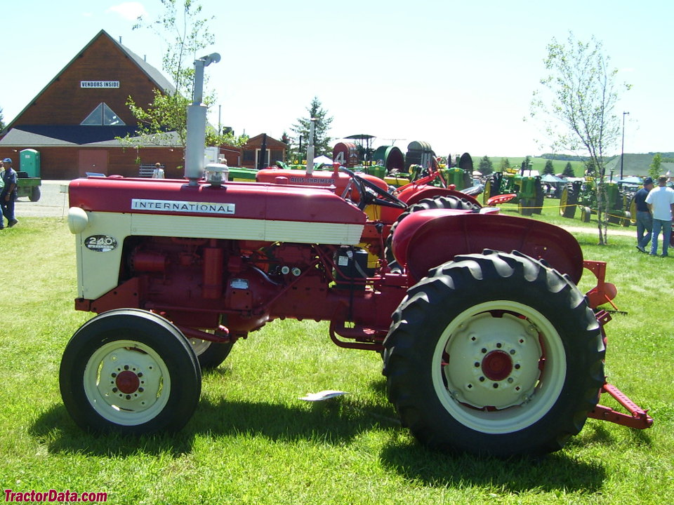 International 240 Tractor : Tractordata international harvester tractor photos