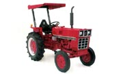 International Harvester 284 tractor photo