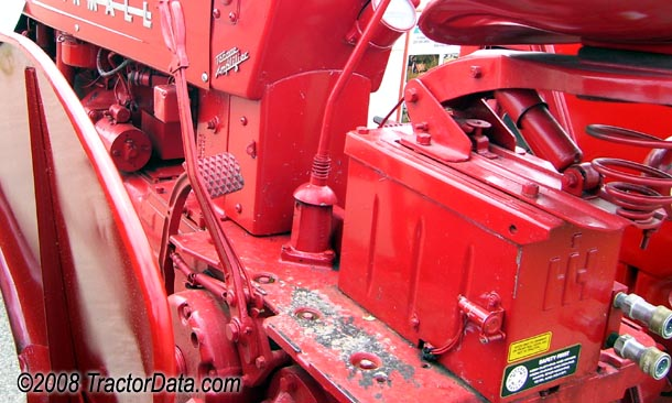 Farmall 400 Torque Amplifier transmission photo
