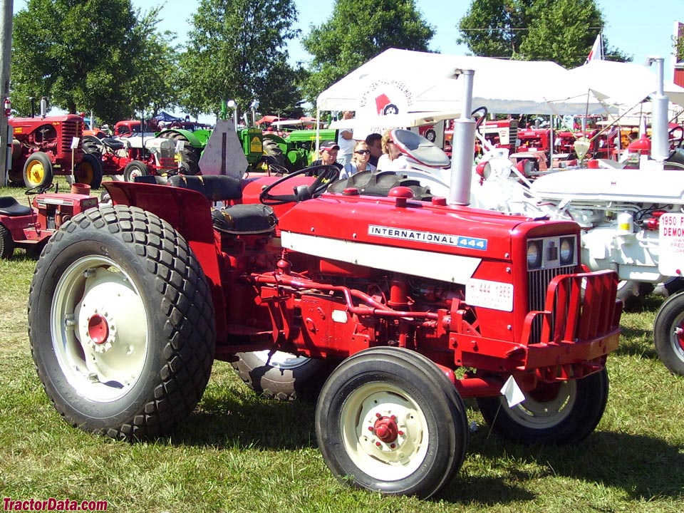 International Harvester 444