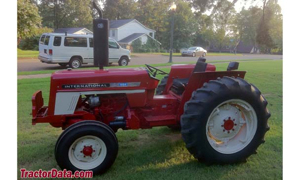 International Harvester 464, left profile
