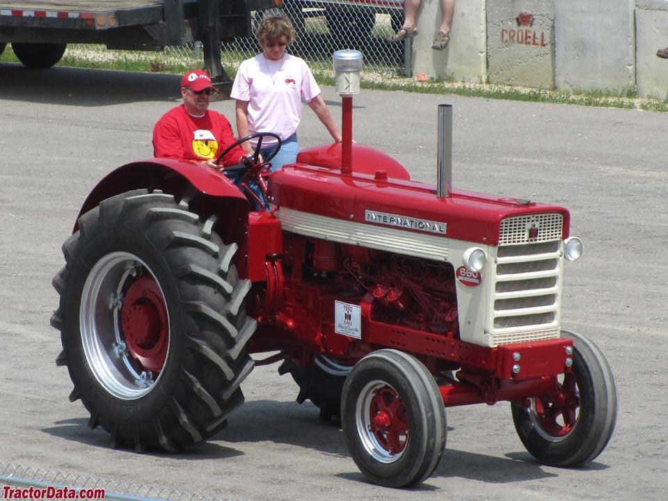 Tractordata Com International Harvester 660 Tractor Photos