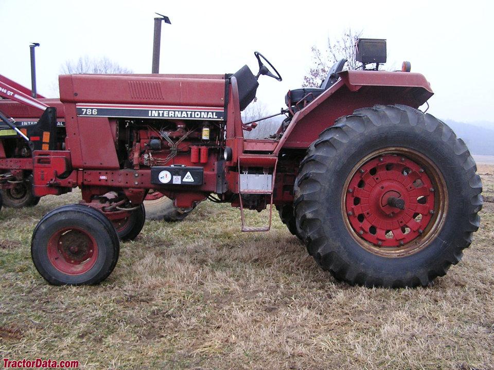 International Harvester 786