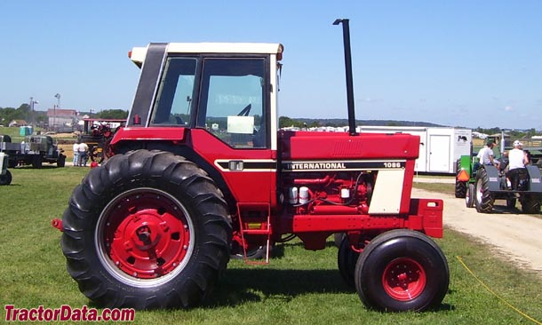 International Harvester 1086