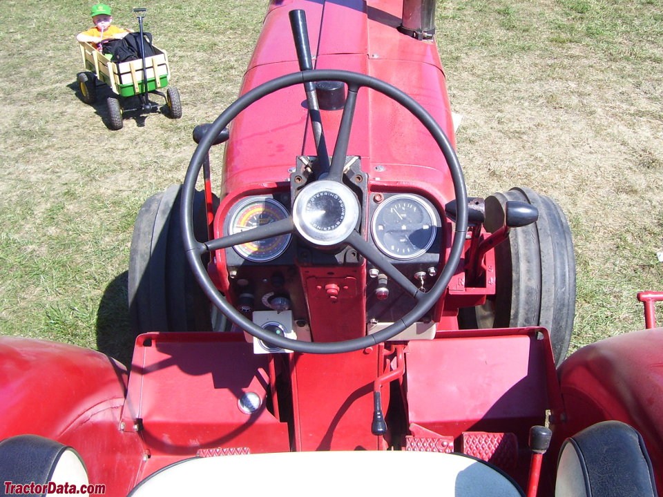 Tractordata Com International Harvester 1206 Tractor