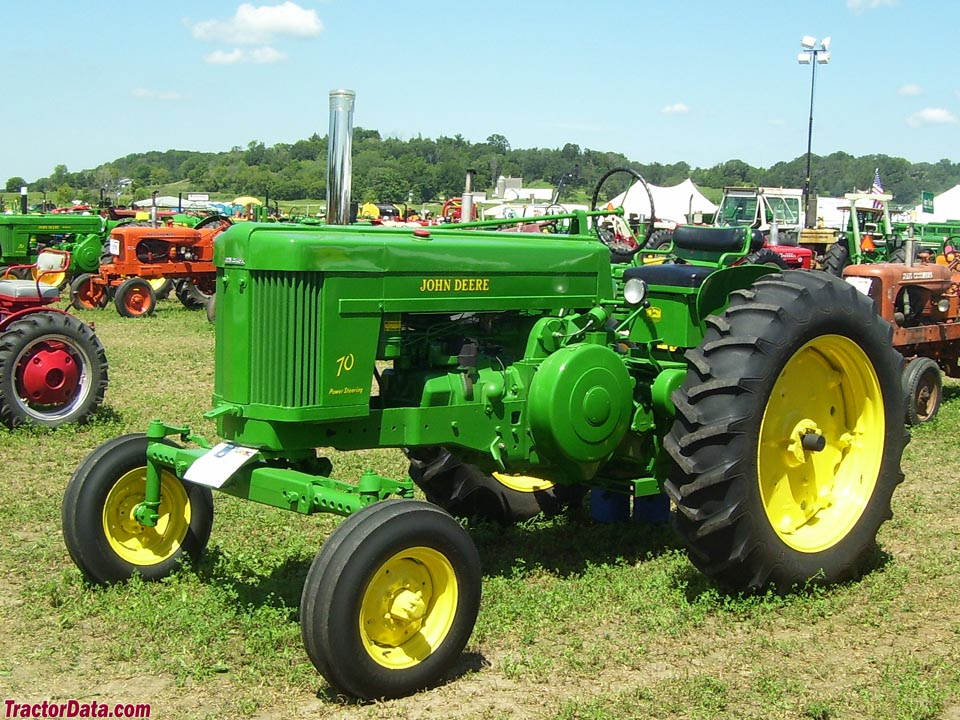 John Deere 70 with adjustable wide-front end.