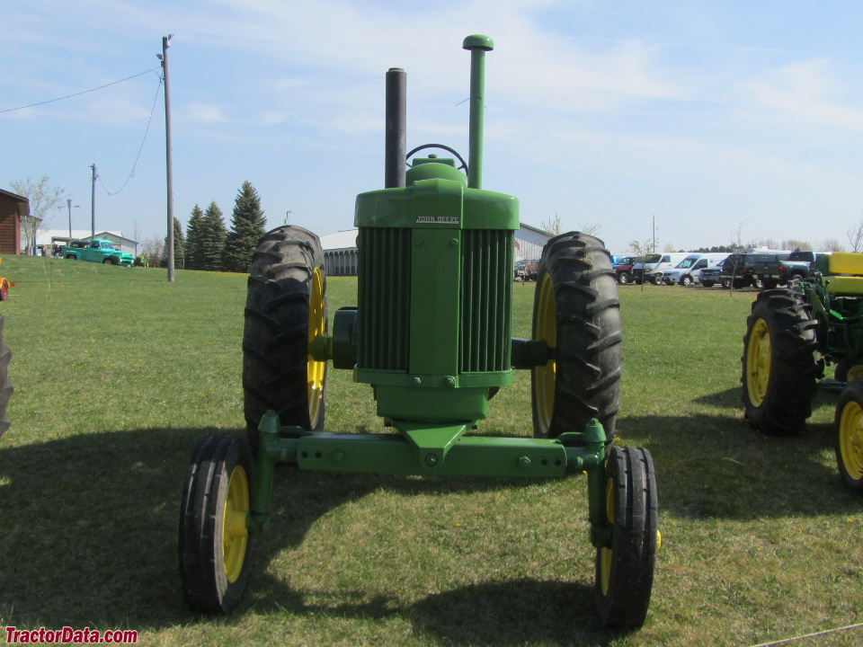 John Deere 70 with LP-gas engine.