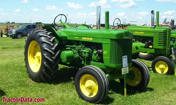 John Deere 80, right side