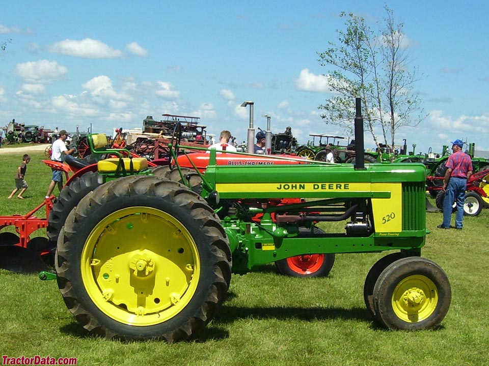 John Deere 520 with Roll-o-Matic tricycle front end.
