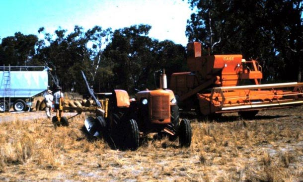 Case 500 with Conner Shea 18 plow in 1965. New South Wales, Australia.