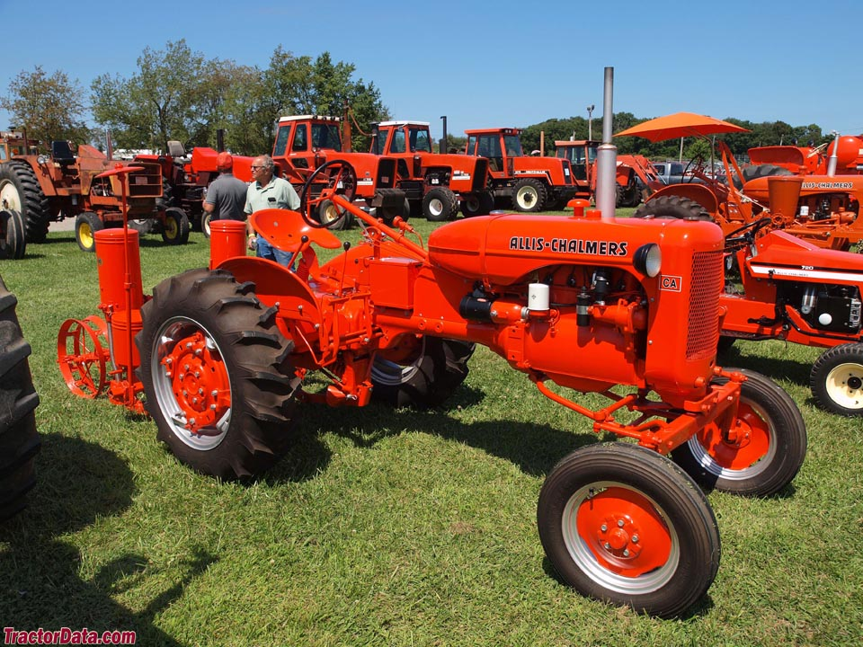 Wide-front Allis-Chalmers CA with planter.