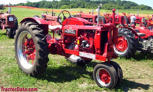 Farmall F-12 with tricycle front