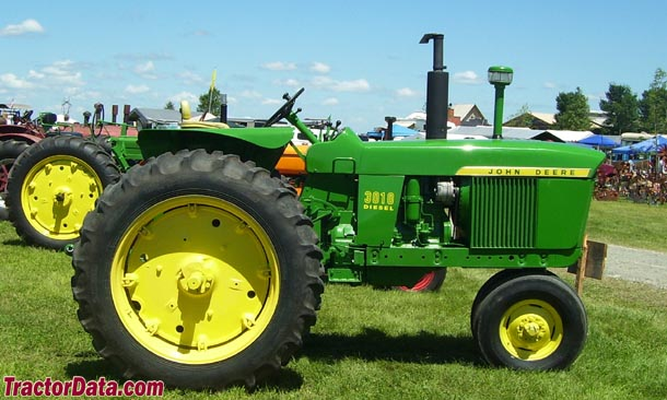 John Deere 3010 right profile