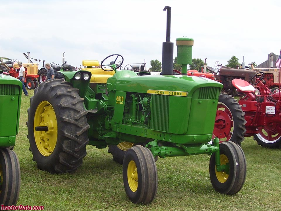 Restored wide-front John Deere 4010.