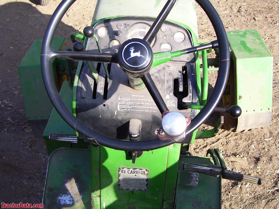 John Deere 3020 Powershift operator station and controls.