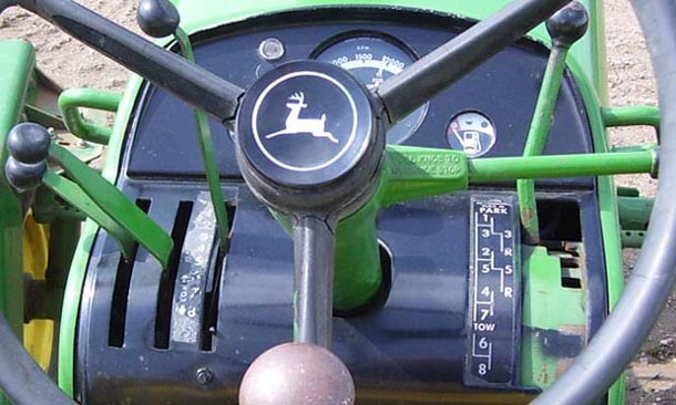 John Deere 4020 Syncro-Range transmission photo