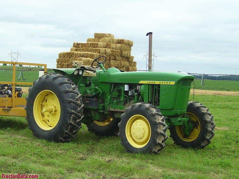 Four-wheel drive (HFWD) John Deere 4020