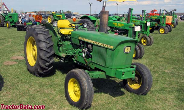 Right-front view of the John Deere 1020