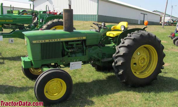 Left-front view of the John Deere 1020