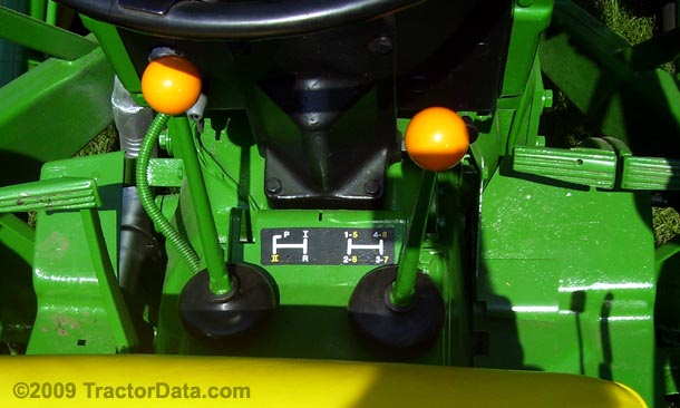 John Deere 1020  transmission photo