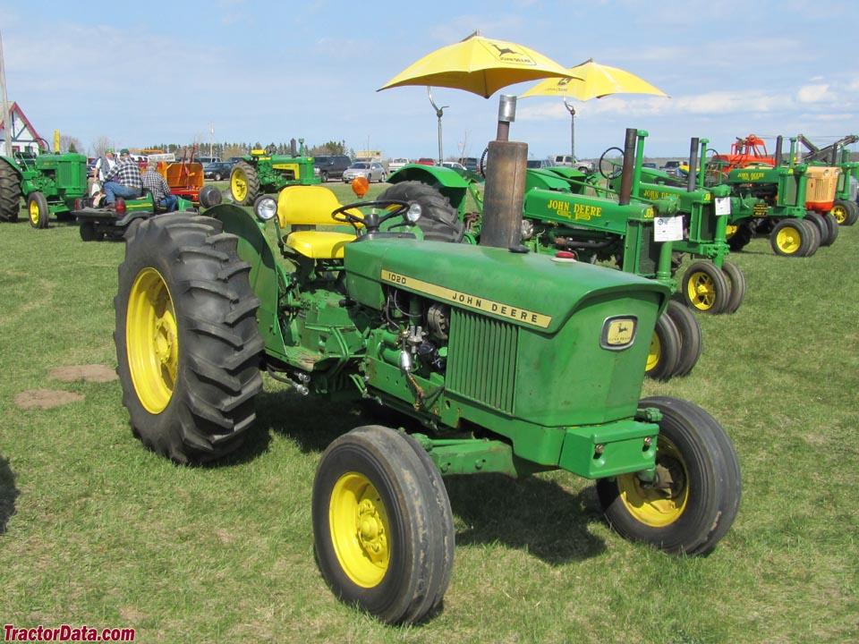 John Deere 1020 row-crop utility.