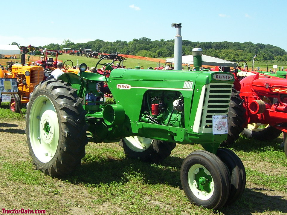 Row-crop Oliver 880 with tricycle front end.