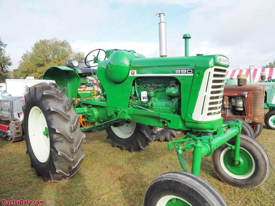 High-crop Oliver 880 with LP-gas engine.