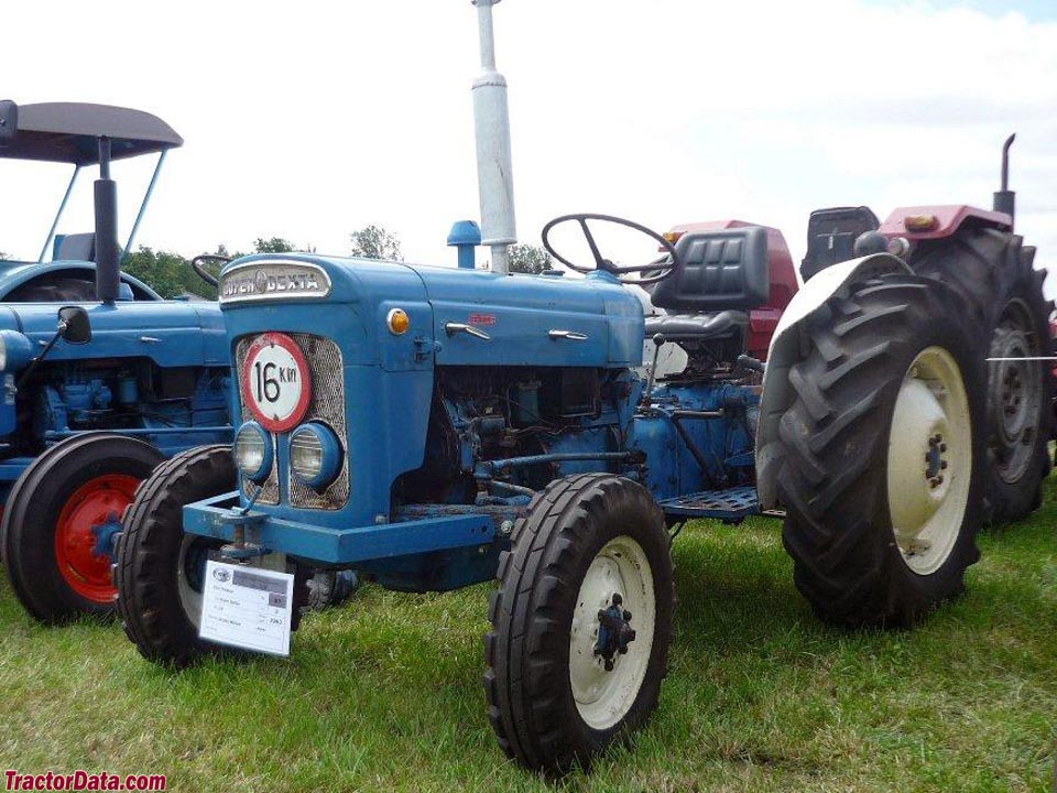 Fordson Super Dexta, left side.