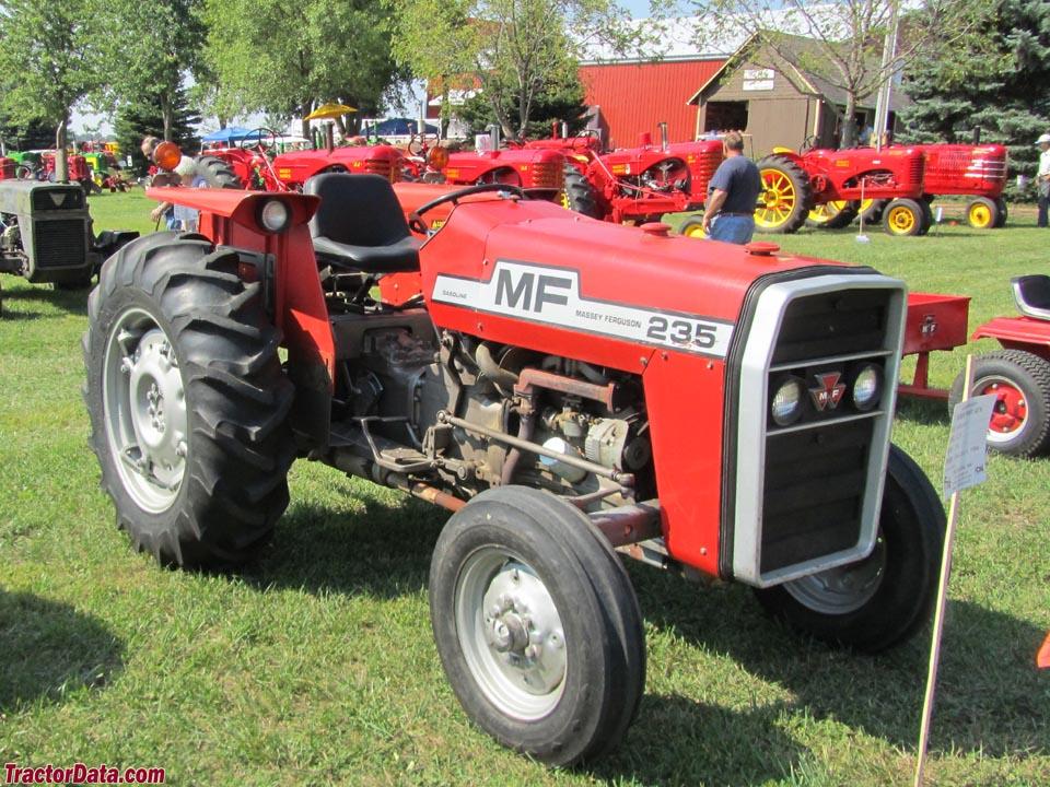 Massey Ferguson 235
