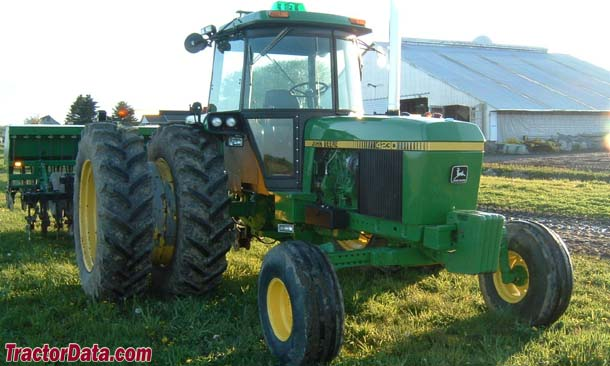 John Deere 4230, front-right view