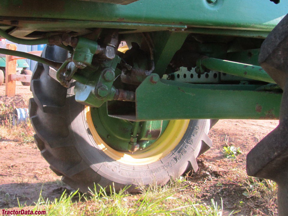 Close-up of the hydraulic front-wheel drive on the John Deere 4430.
