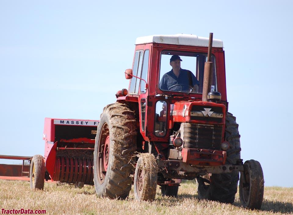 TractorData.com Massey Ferguson 1080 tractor photos information