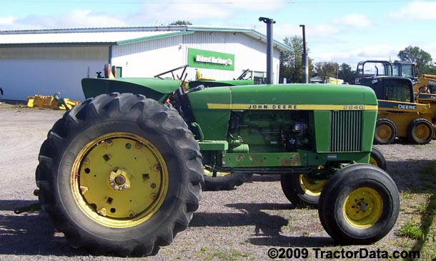 John Deere 2840