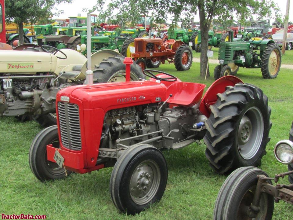ferguson to 35 tractor photos information. Black Bedroom Furniture Sets. Home Design Ideas