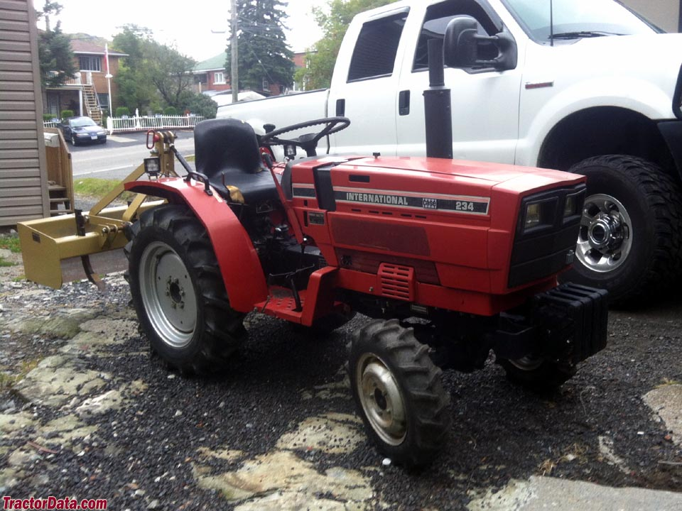 1985 Case IH 234 with 4x4.