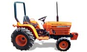 Kubota B7200 tractor photo