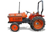 Kubota L2350 tractor photo