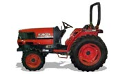 Kubota L2900 tractor photo