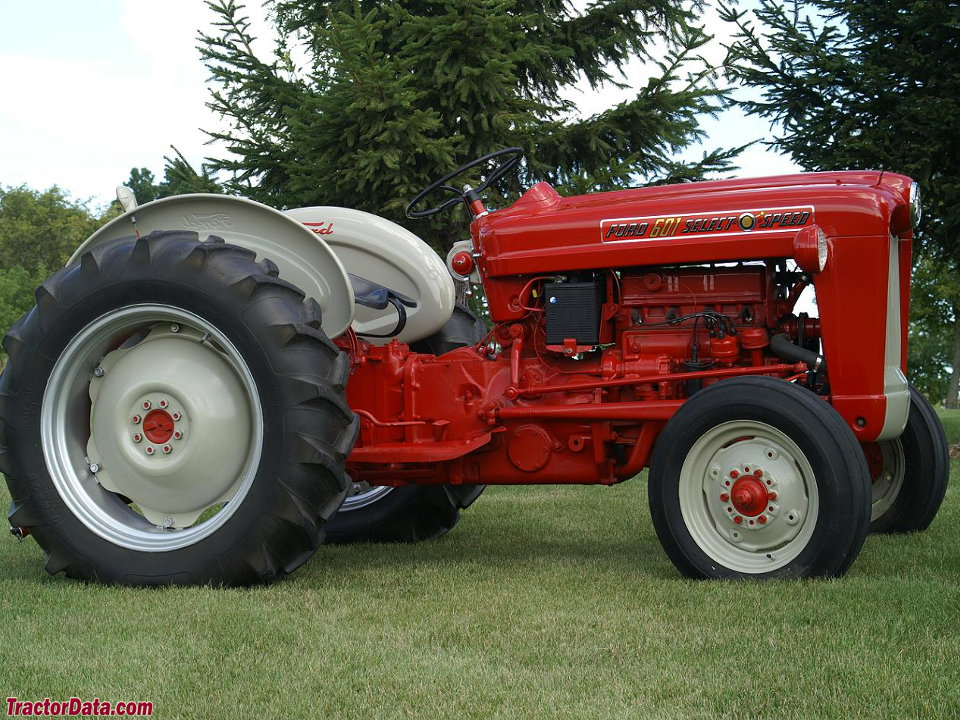 Ford 600 Tractor Farm : Tractordata ford tractor photos information