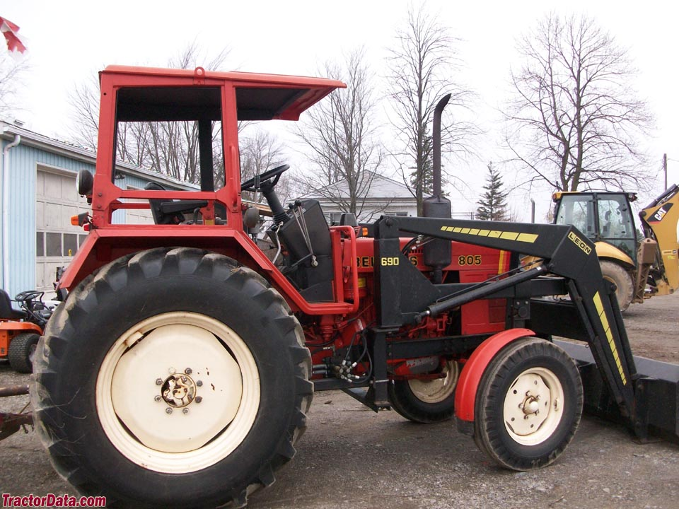 Belarus 805 with ROPS and loader.