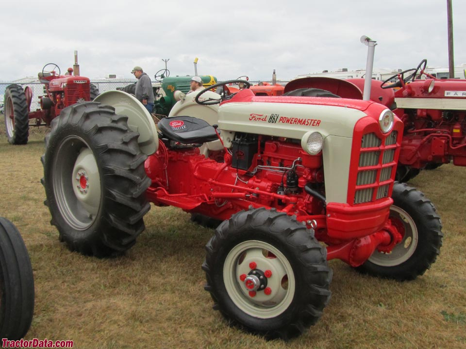 Ford 861 with ELENCO four-wheel drive front axle.